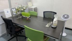 事務所内相談スペース 感染対策済み