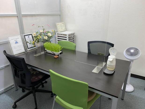 事務所内感染防止アクリルと消毒